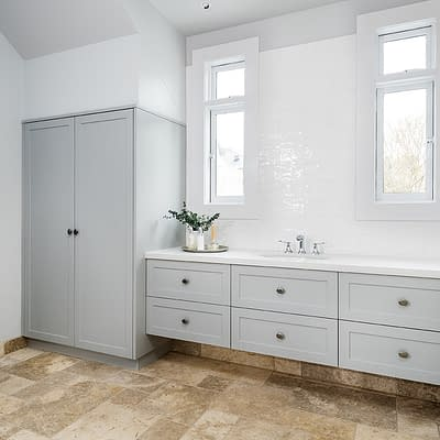 Sorrento – Main Bathroom